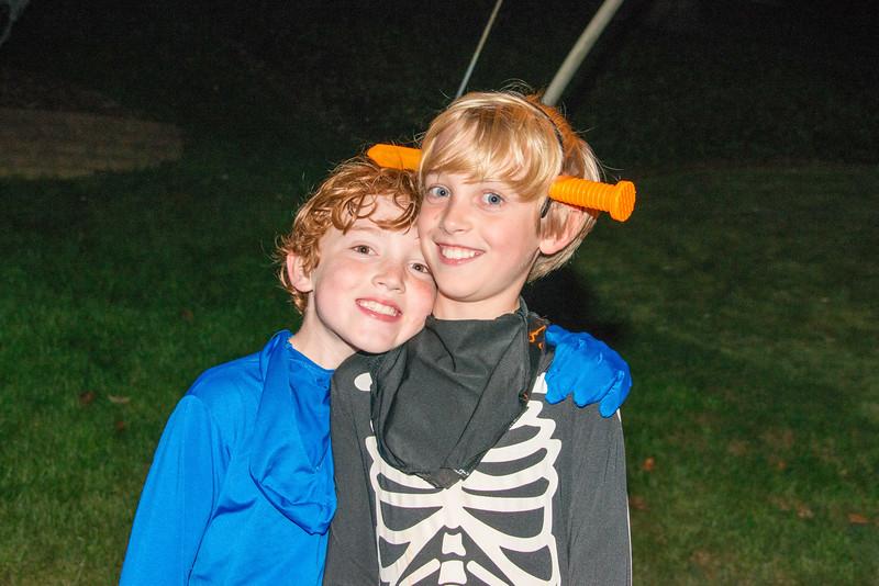 Halloween on Runnemede-17.jpg