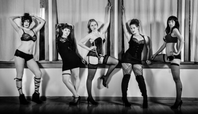 Santa Cruz Sirens Burlesque