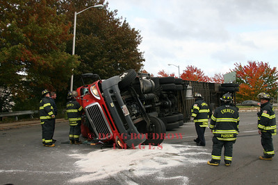 Everett, MA - Truck Accident, Sweetzer Circle, 10-28-08