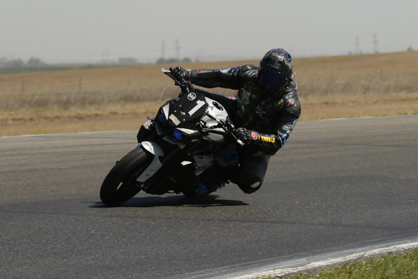 1 Yamaha Naked