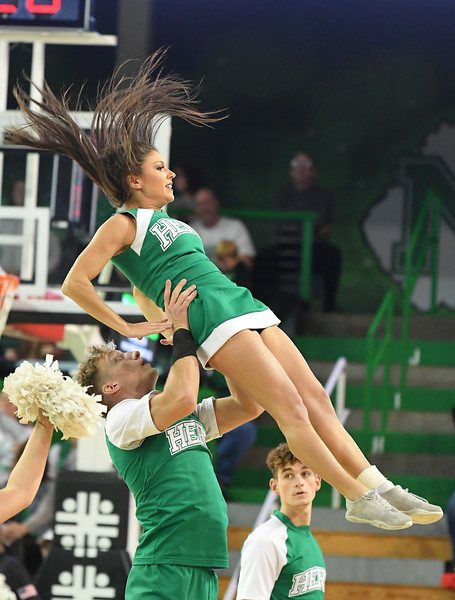 cheerleaders7503.jpg