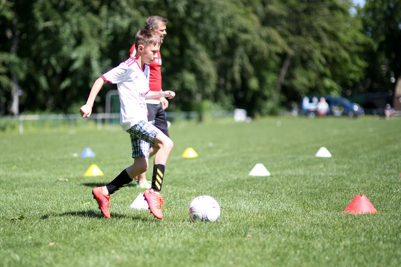 hsv_fussballschule-501_48047944766_o.jpg