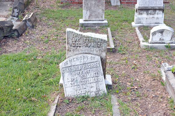 Oak Grove Cemetery - Harriet Monument 09-19-19
