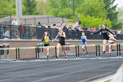 Girls' 300 Meter HURDLES - 2019 MHSAA LP D2 T&F