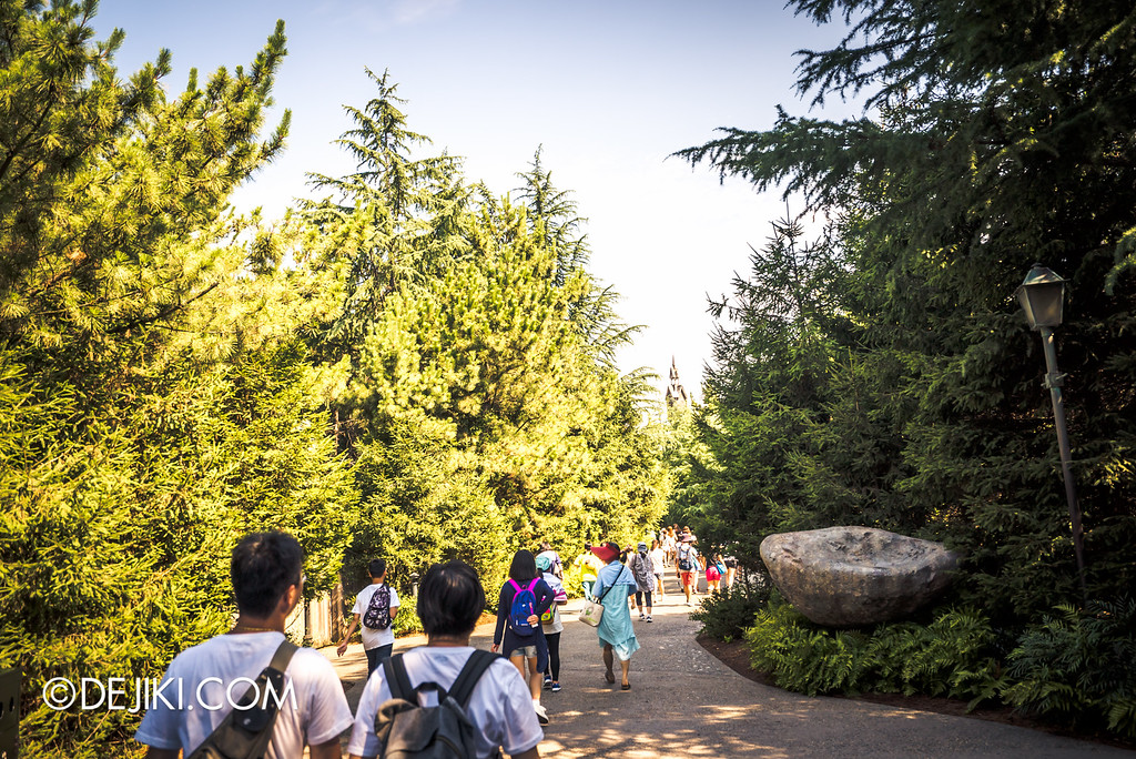 Universal Studios Japan - The Wizarding World of Harry Potter - Through the Forest 2
