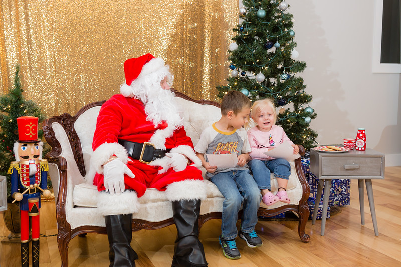FADS Picture with Santa-285.jpg