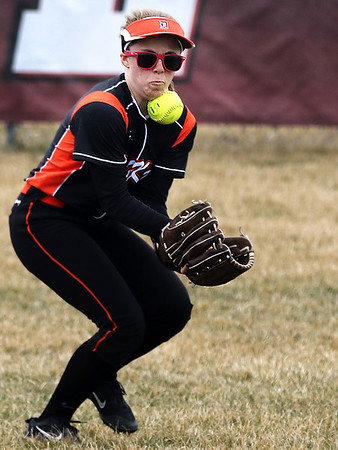 032918 Softball: Huntley vs DeKalb (MA)