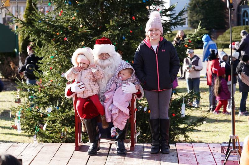 Santa In The Park 20190079.JPG