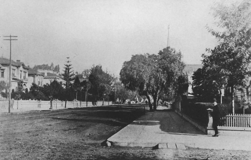 1886-sixtyyearsinsouthernca-640_sin caption_.jpg