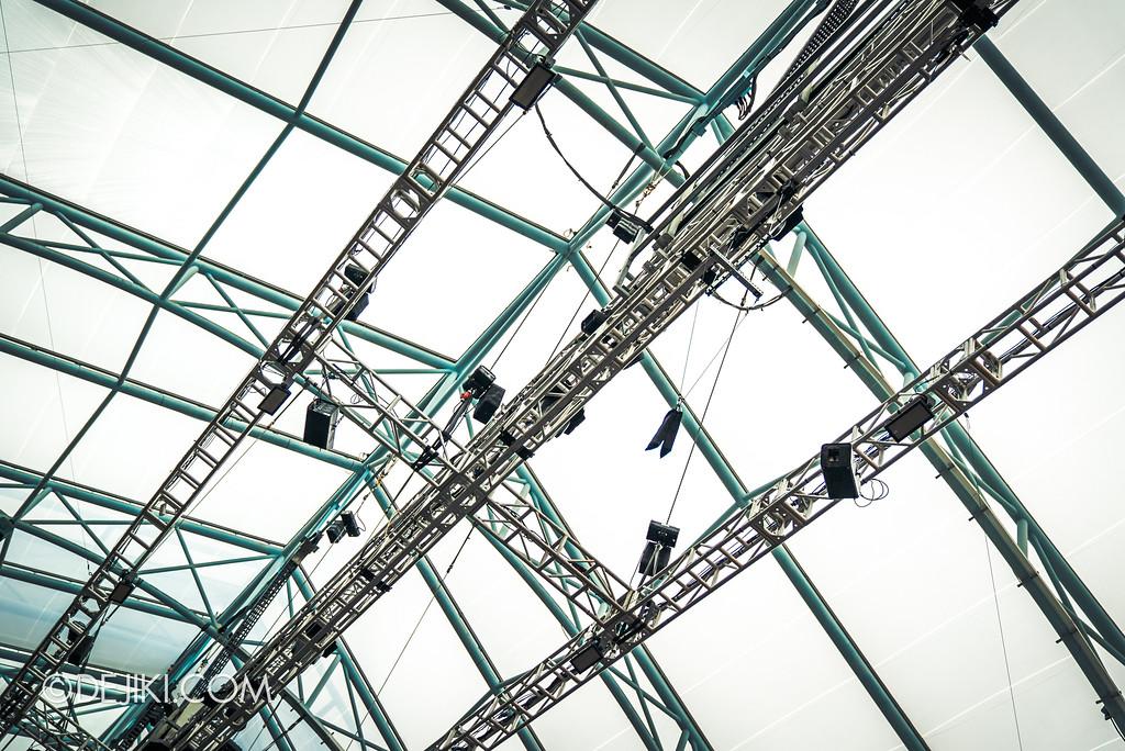 Universal Studios Singapore Park Update November 2017 - New York street overhead stunt rigs