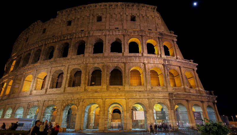 AITALY 2015,11 200B, SMALL, wide close, Colusseum under moonlight, Rome.jpg