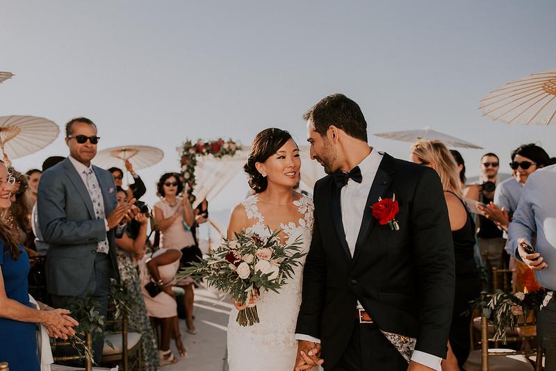 Tu-Nguyen-Destination-Wedding-Photographer-Santorini-Rocabella-Hotel-Euna-Ehsan-550.jpg
