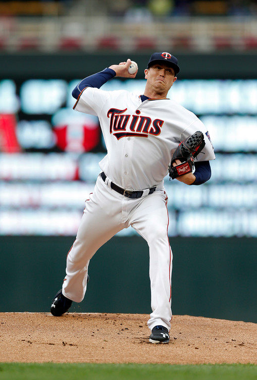 . Minnesota Twins pitcher Kyle Gibson throws against the Cleveland Indians in the first inning of game one of a double header baseball game Thursday, Aug. 17, 2017, in Minneapolis. (AP Photo/Jim Mone)