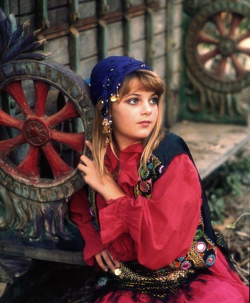 9.Gypsy girl.jpg