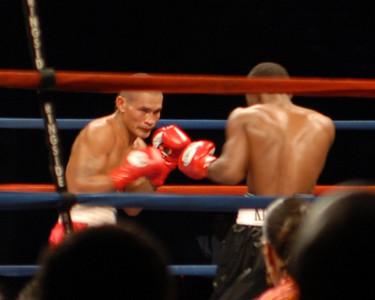 King Kong Agbeko vs Luis Perez September 29, 2007