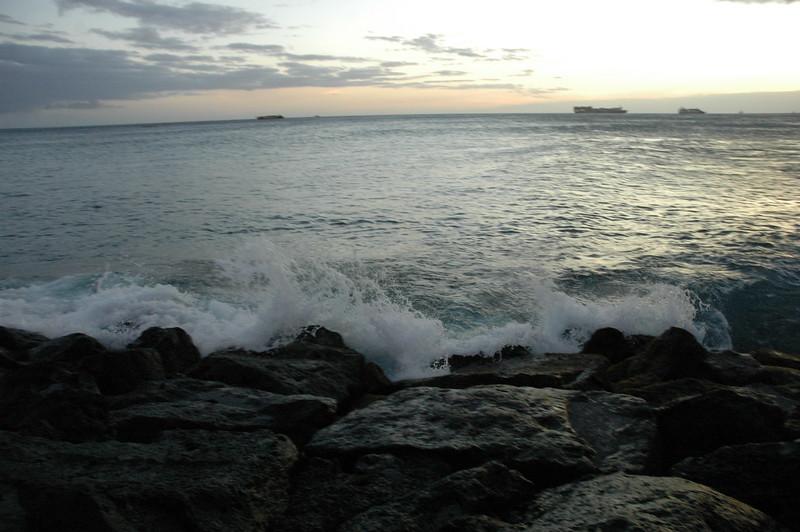 Hawaii - Ala Moana Beach Sunset-119.JPG