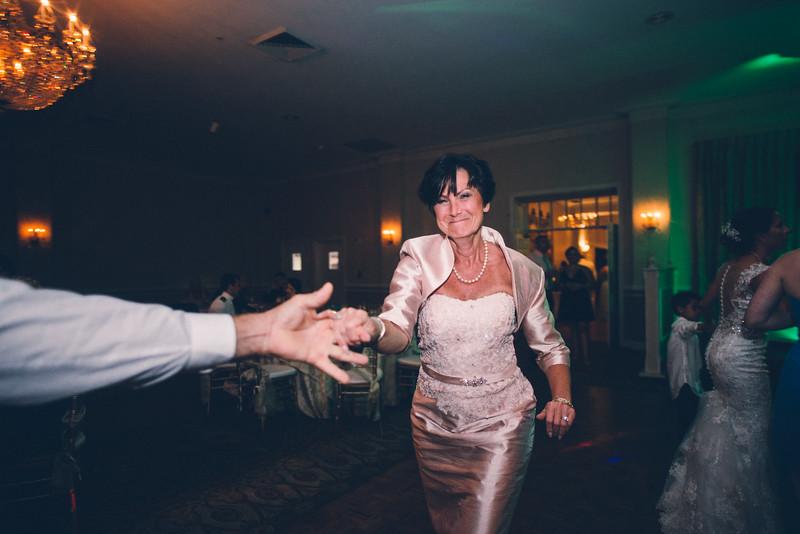 Philadelphia Wedding Photographer - Bernreuther-678.jpg
