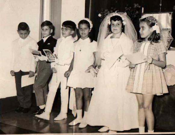 1ª Comunhão em Andrada 196? - Xi-Zé Guerreiro, Jomé, Nelrique Patrone, Ana Maria Josefa, Loli Canhão e Ana Isabel Fernandes