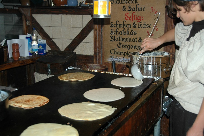 Pancakes on the Griddle - Dresden's Advent Spectacle, Germany