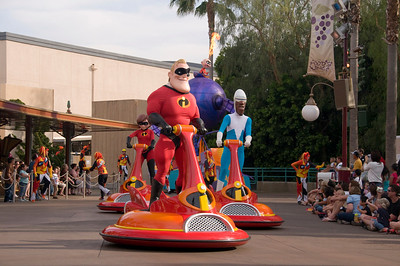 Pixar Play Parade at California Adventure (April 27, 2008)