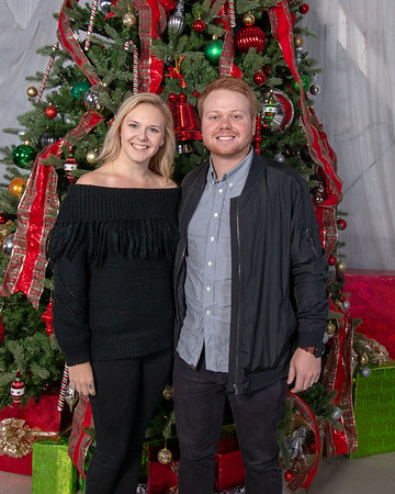 Christmas Barn Bash  David Phelps  VIP Sat 2018 - VIP photos are free for downloads you only need to pay for Prints.  You are free to post the VIP photos on your social media sites.