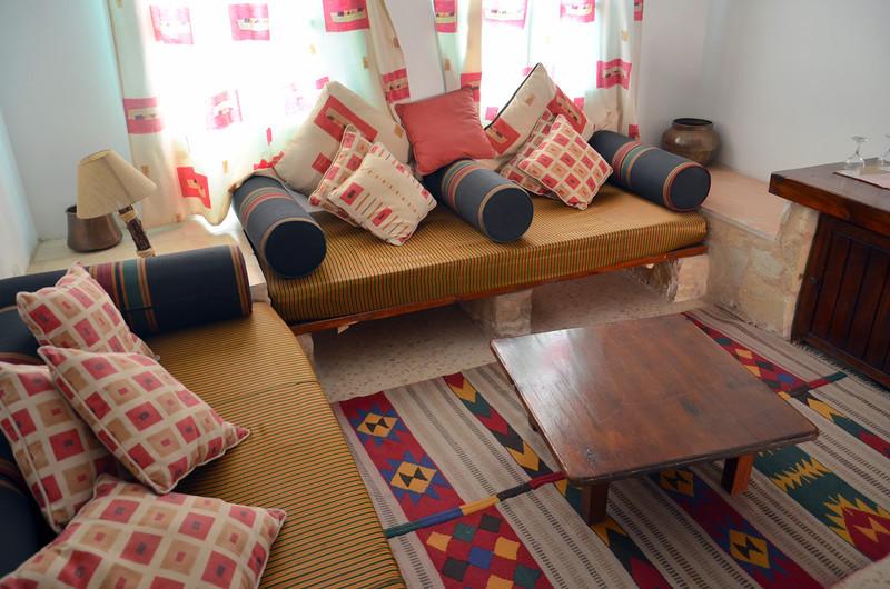 DSC_9313-room-lounge.JPG