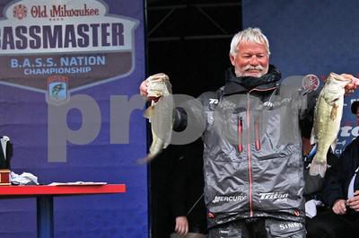 lake-conroe-hosts-top-amateur-anglers