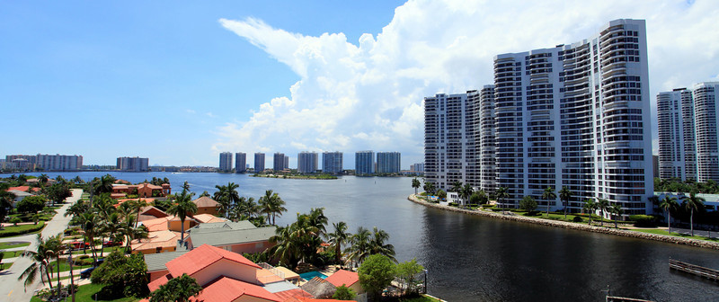 view from bridge from aventura to sunny isles