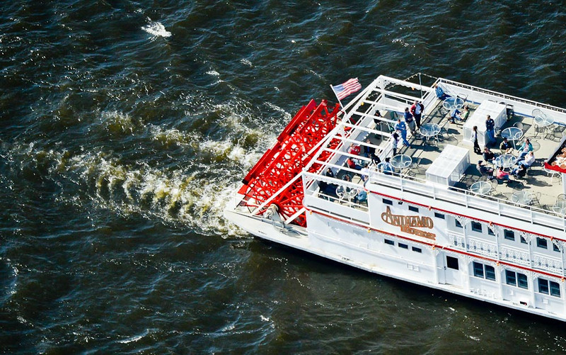 . People take a cruise aboard the Andiamo Showboat in Stillwater. (Pioneer Press: Ben Garvin)