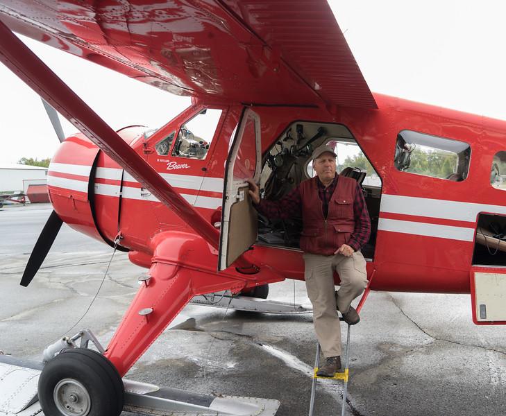 Pre-flight brief by our bush pilot