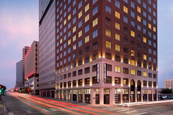 Hampton Inn & Suites - Dallas, TX (Downtown)