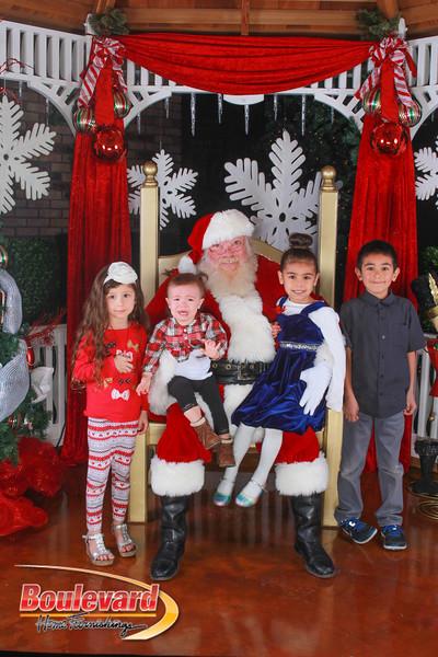 Santa 12-10-16-355.jpg