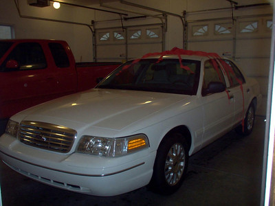 T's 2004 Ford Crown Victoria LX