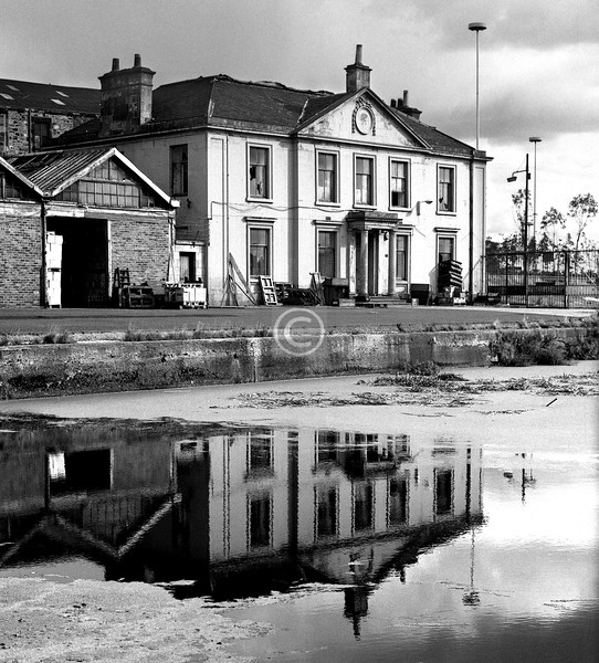 North Spiers Wharf.  The Canal Office (c1812).  October 1975