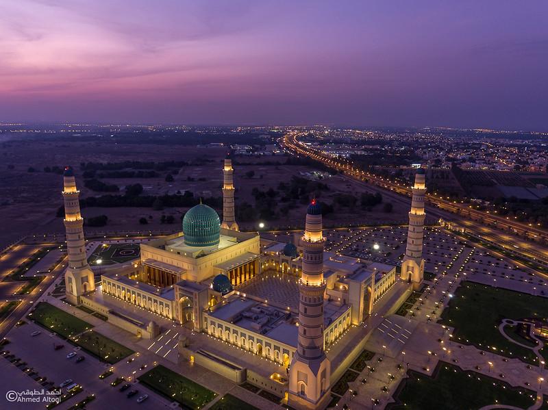 Sultan Qaboos mosque -- Sohar (1).jpg