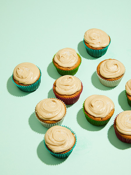 Creative-Space-Artists-photo-agency-photo-rep-food-stylist-diana-yen-caramel_filled_banana_cupcakes_with_penuche_frosting.jpg