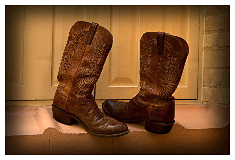 Scott Johnson's boots - is he coming or going?