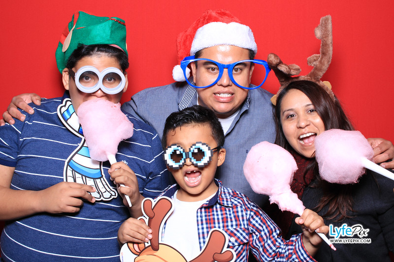 eastern-2018-holiday-party-sterling-virginia-photo-booth-1.jpg