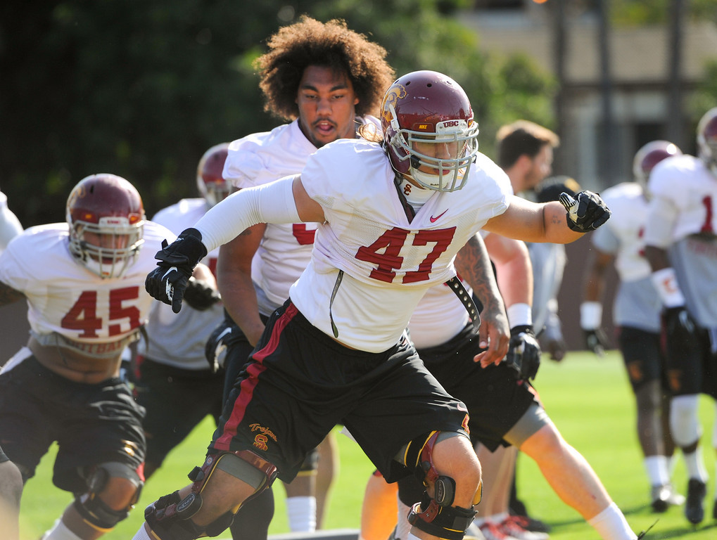 . USC linebacker Scott Starr (#47) does a footwork drill with  the defense at practice, Thursday, March 27, 2014, at USC. (Photo by Michael Owen Baker/L.A. Daily News)