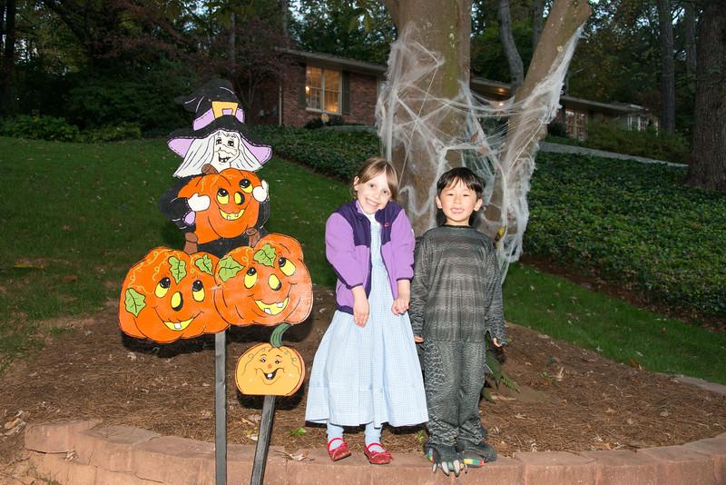 Halloween on Runnemede-2.jpg