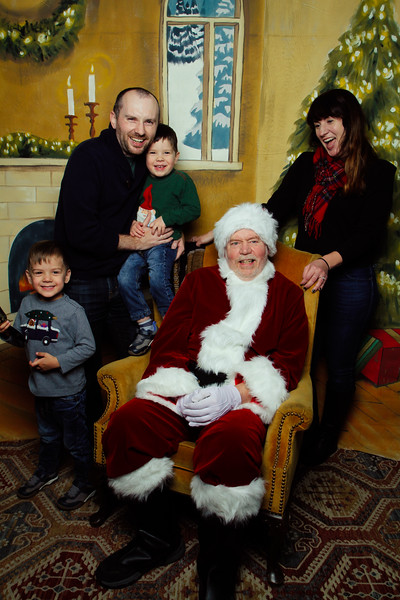 Pictures with Santa Earthbound 12.2.2017-059.jpg