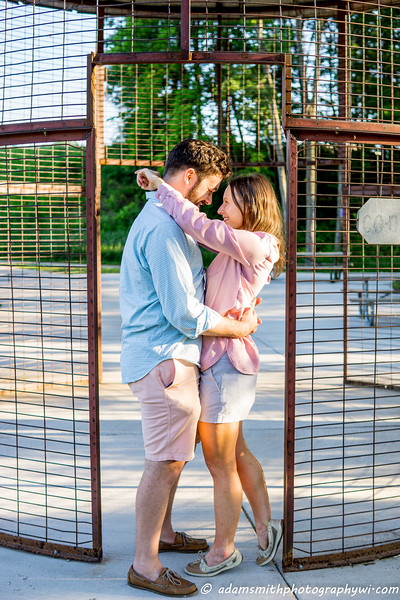 Kelly_Kyle_Engagement_Preview_Summer_wisconsin-1.jpg