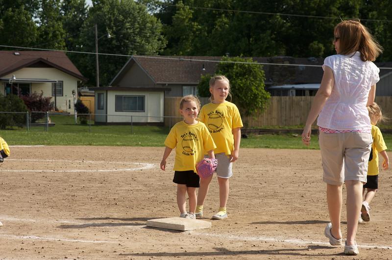 Tot's Spot tee ball team 09