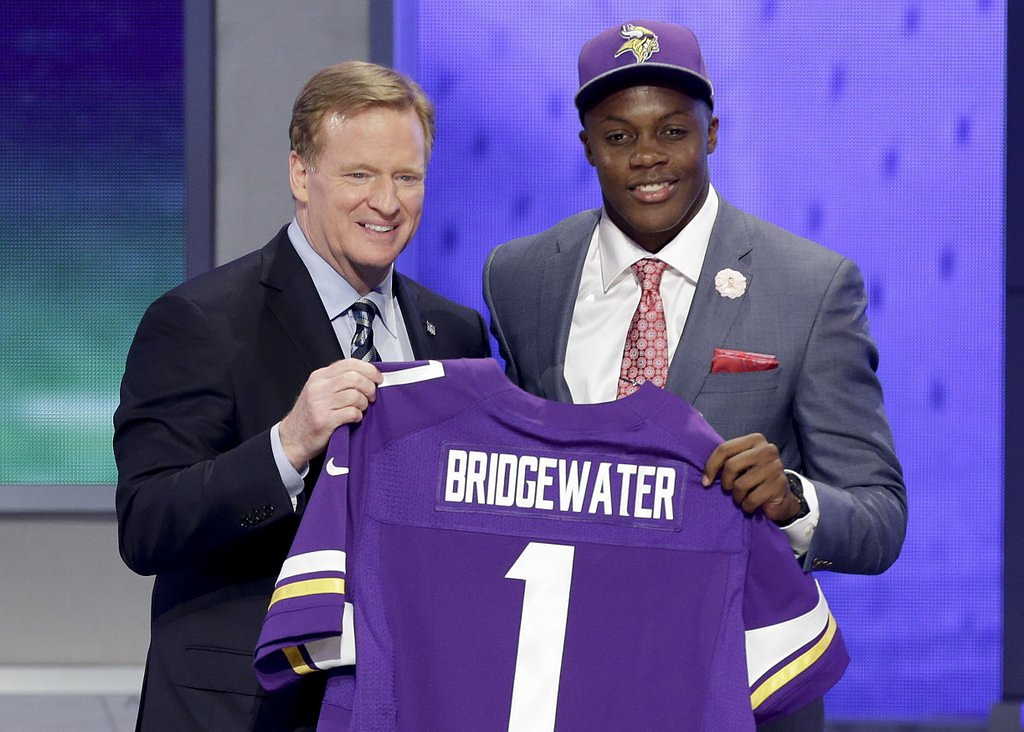 ". <p><b> The NFL draft is over, and it�s readily apparent to most Vikings fans that their quarterback of the future is � </b> <p> A. Teddy Bridgewater <p> B. Matt Cassel <p> C. Inferior to Johnny Manziel <p><b><a href=\'http://www.twincities.com/sports/ci_25726067/vikings-trade-down-take-linebacker-anthony-barr-no?source=pkg\' target=""_blank\"">LINK</a></b> <p>    (AP Photo/Frank Franklin II)"