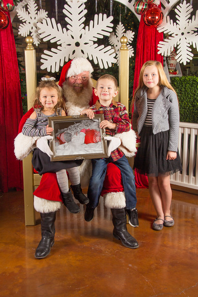 Santa 12-16-17-398.jpg