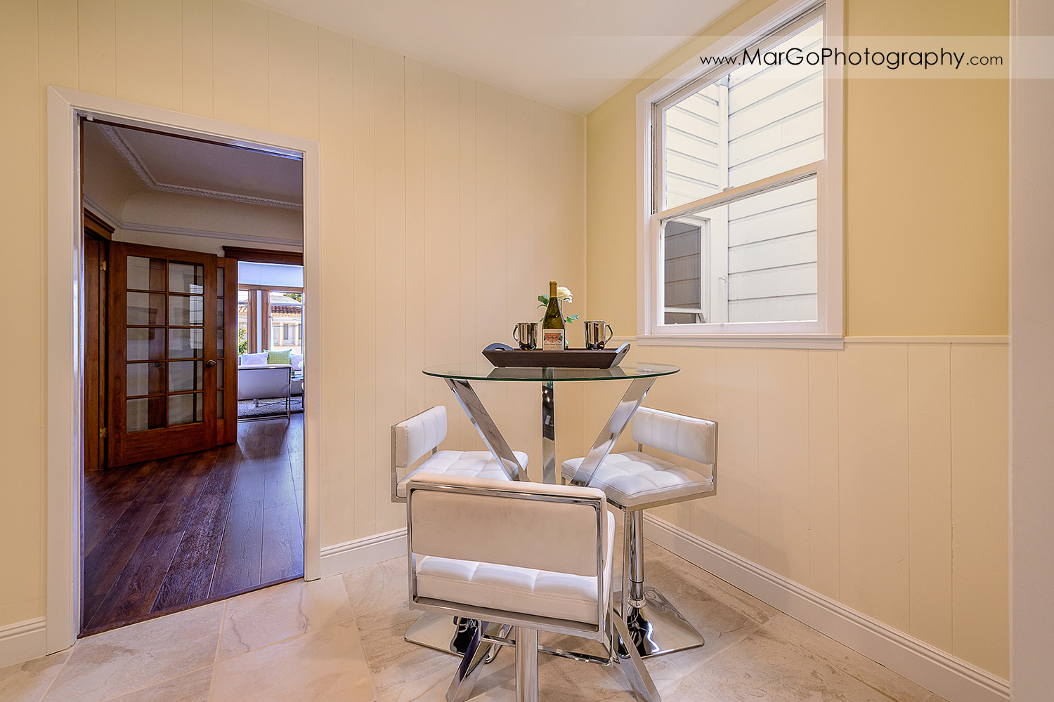 San Francisco house reading corner with round glass table - real estate photography