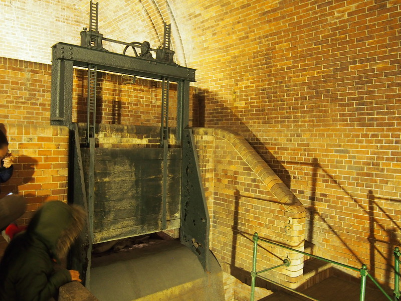 Sluice gate in Bubenec wastewater plant.