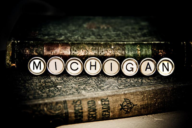 typewriter michigan keys photograph photography michigan lilacpop-1.jpg