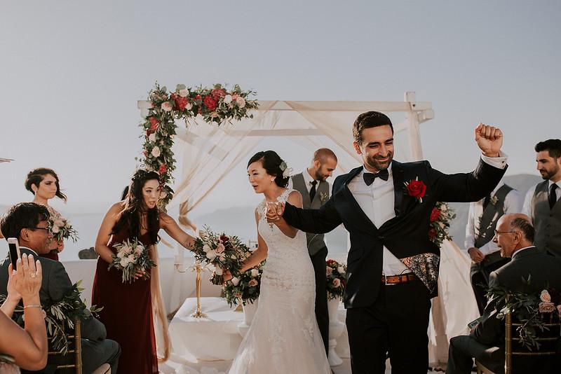 Tu-Nguyen-Destination-Wedding-Photographer-Santorini-Rocabella-Hotel-Euna-Ehsan-465.jpg