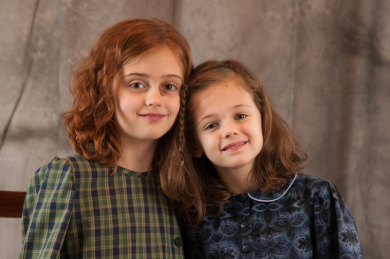 A beautiful portrait of the two girls!